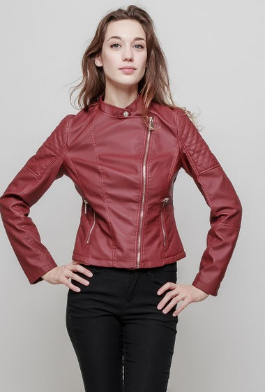 Jacket in imitation leather, quilted yoke, slim fit, biker style, high-quality leatherette. The mannequin measures 177 cm and wears S