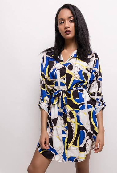 Shirt dress with printed chains. The model measures 177cm, one size corresponds to 10(UK) 38(FR). Length:95cm