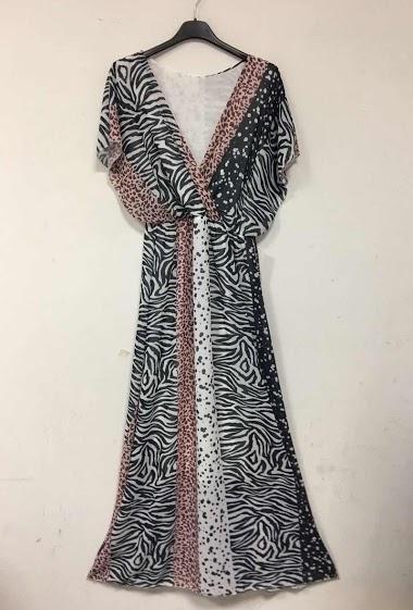 Wrap dress, short sleeves.
