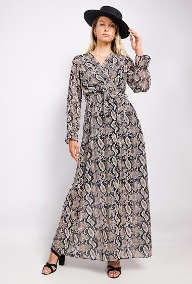Robe cache-cœur, imprimé animal, manches longues. La mannequin mesure 170cm