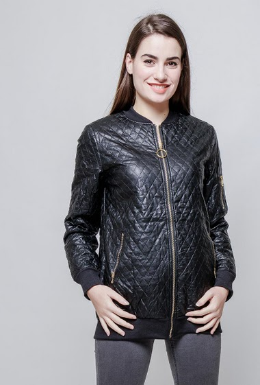 Jacket in imitation leather, pockets. The model measures 172cm and wears M. Other=Similicuir