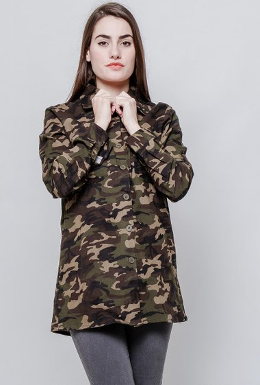 Thick cotton shirt, military pattern The model measures 172cm and wears M