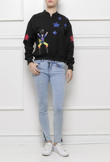 Sweatshirt with sequined patches, casual fit