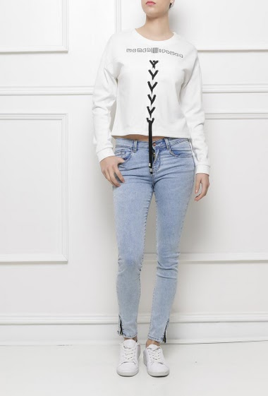 Cropped sweatshirt, lace-up front, long sleeves, fleece inner lining, casual fit