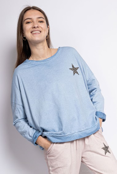 oversized top with embroidered star - For Her Paris