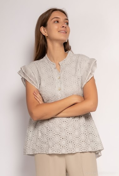 Plain oversized top in English embroidery - For Her Paris