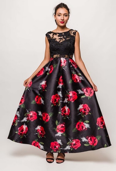 Maxi dress with florwers and lace