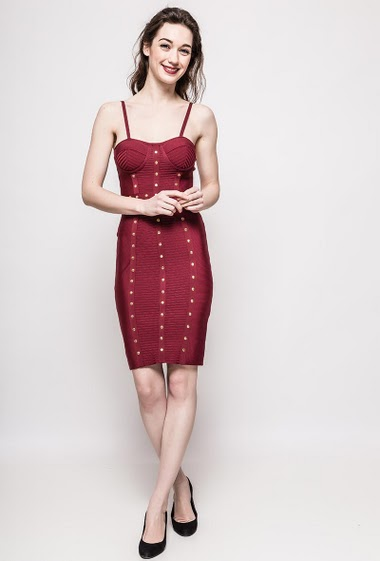 Dress with straps, integrated bra. The model measures 177cm and wears S. Length:95cm