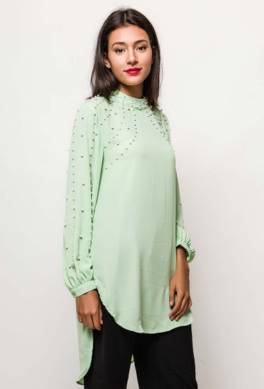 Long sleeve tunic. The model measures 171cm and wears S. Length:100cm(back)