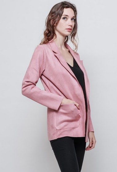 Soft jacket, open front, regular fit, pockets, peach skni aspect. The model measures 177 cm and wears S