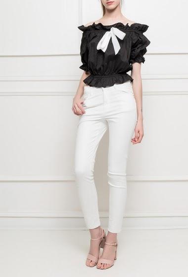 Top en coton à épaules dénudées,  taille élastique, nœud contrastant, manches courtes
