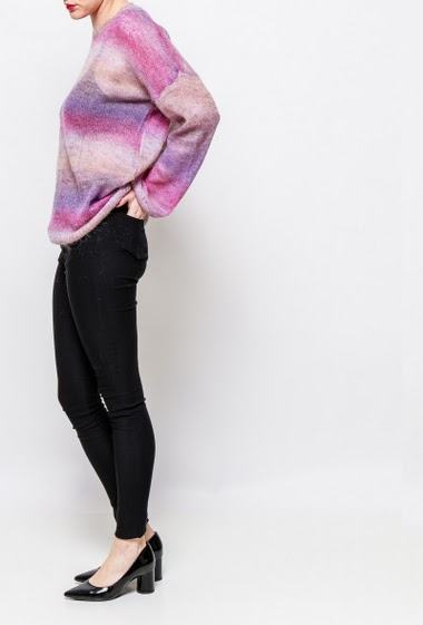 Transparent sweater in fine knit, stripes, casual fit. The model measures 170cm, one size corresponds to 38-40