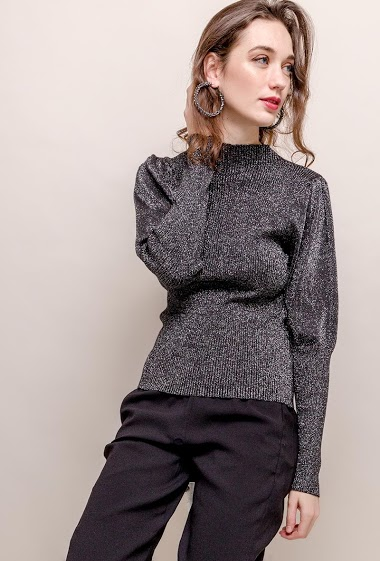 Sweater with puff sleeves. The model measures 177cm, one size corresponds to 8/10(UK) 36/38(FR). Length:61cm