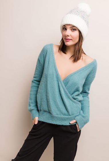 Soft sweater. The model measures 175cm, one size corresponds to 10/12(UK) 38/40(FR). Length:64cm
