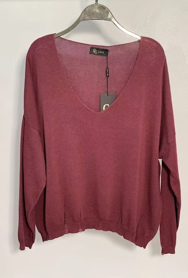Sweater with V neck and ripped border