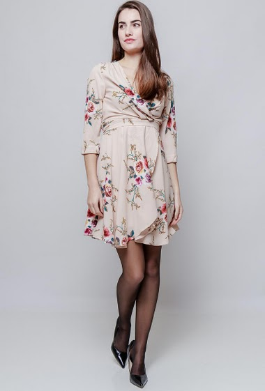 Flared dress, cross V neck, printed flowers. The model measures 172cm and wears S