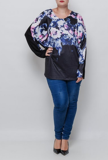 T-shirt with fprinted flowers, loose fit. The model measures 171cm and wears T3=44/46. T4=48/50 and T5=52-54