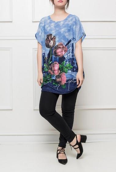 Tunique en jersey avec fleurs imprimées  et ornées de strass, manches courtes, coupe fluide