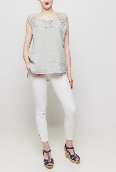 Linen tank top with lace yoke, loose fit, TU corresponds to 38-42
