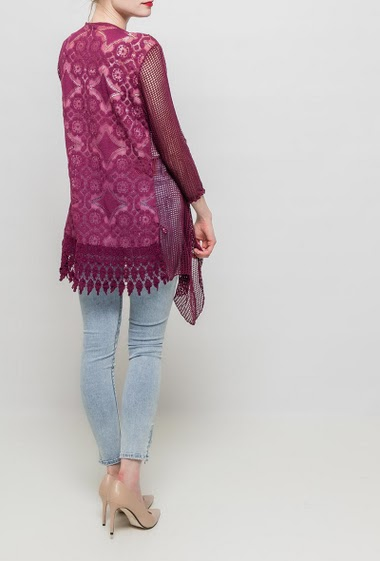 Open cardigan with openwork pattern, shawl collar, lace back, regular fit. TU corresponds to T38/40