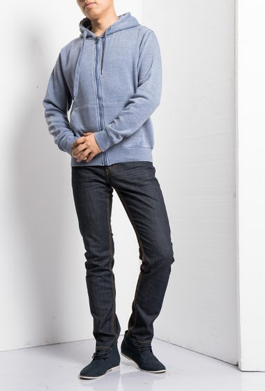 Hooded sweatshirt with pockets, zip closure, casual fit