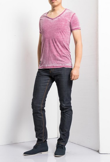 Faded t-shirt, short sleeves, V neck, casual fit