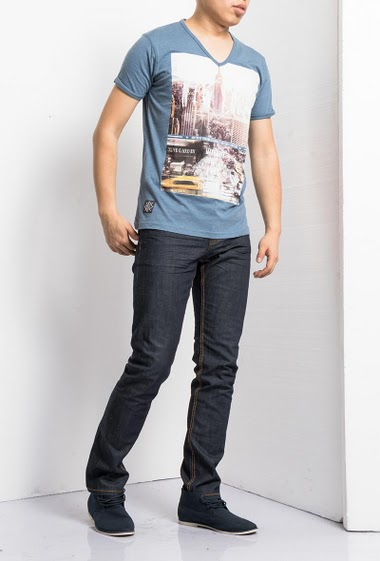 Short sleeves t-shirt with print NYC, V neck