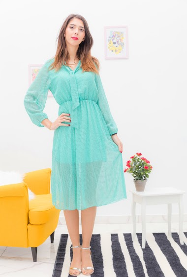 Dress with small dots. The model is 175cm tall and wears a S. Length: 110cm