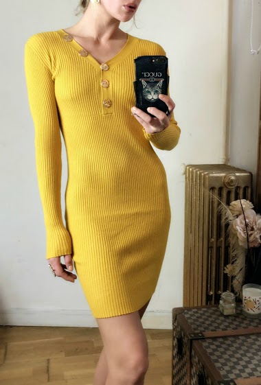 Dress with V neck, buttons, long sleeves.