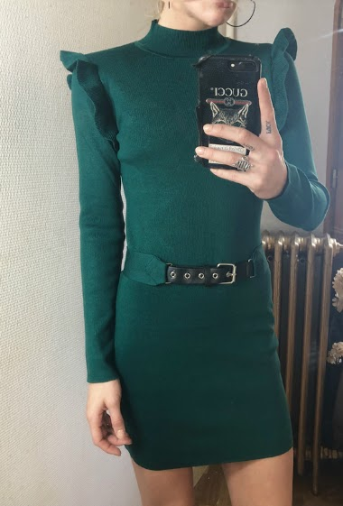 Long sleeve dress, ruffles, belt.