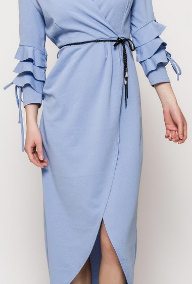 Dress with 3/4 sleeves, cross fit. The model measures 171cm, one size corresponds to 10/12. Length:146cm