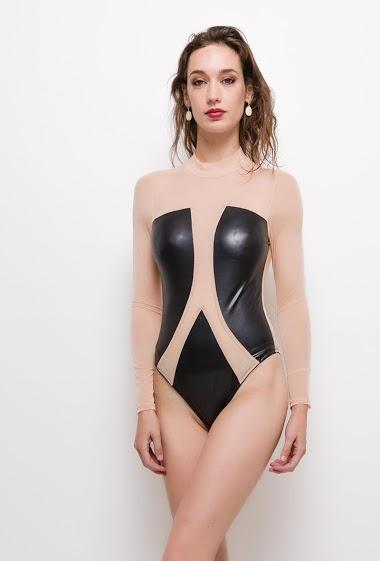Body bicolore,La mannequin mesure 177cm et porte du S. Longueur:65cm