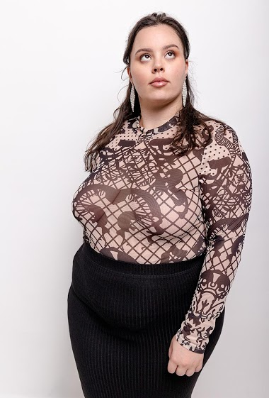 The model measures 170cm and wears XL. Length:72cm