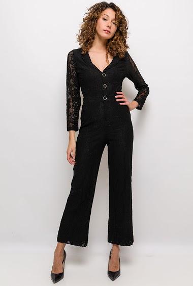 Lace jumpsuit, transparent back. The model measures 177cm and wears S. Length:145cm