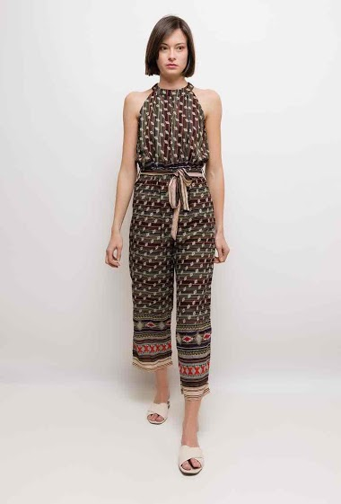 Sleeveless jumpsuit, ethnic pattern. The model measures 178cm and wears S. Length:140cm