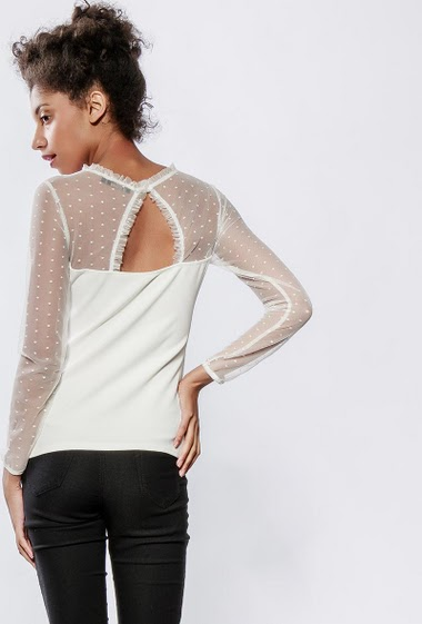 Top with transparent long sleeves, gold embroidery, close fit. The model measures 176cm and wears S