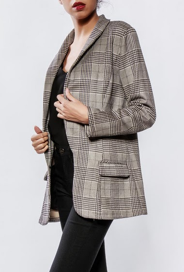 Open blazer, peach skin aspect. The model measures 176cm and wears S