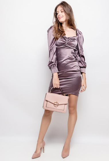 Slim draped dress. The model measures 176cm and wears S. Length:93cm