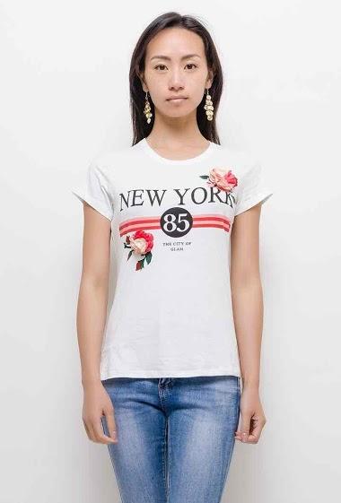 T-shirt imprimé, manches courtes. La mannequin mesure 170cm et porte du S. Longueur:60cm