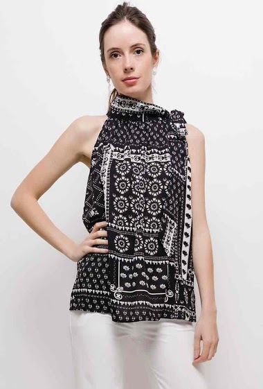 Top with knot collar, scarf print. The model measures 174cm and wears XL. Length:70cm