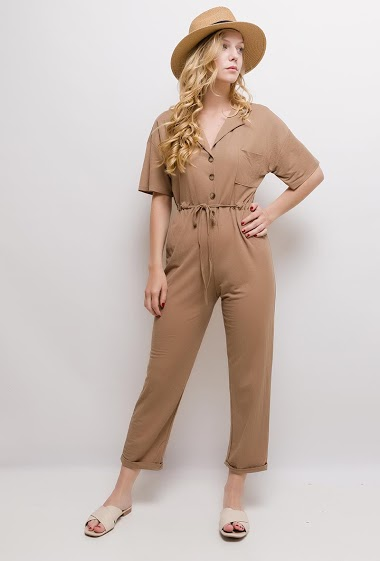 Button jumpsuit, short sleeves. The model measures 170cm and wears S/M. Length:135cm