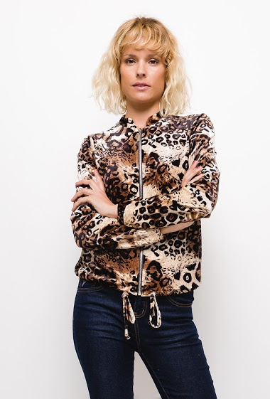 Velvet bomber,Zip jacket, leopard print. The model measures 177cm and wears S. Length:55cm
