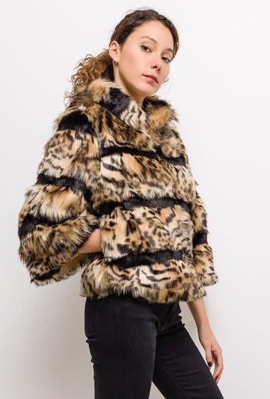 Fur coat with leopard print