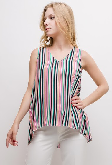Sleeveless top, colorful stripes. The model measures 170cm and wears S. Length:70cm(back)