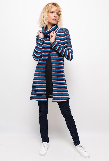 Striped tunic,Knit tunic, turtleneck. The model measures 177cm and wears S. Length:90cm