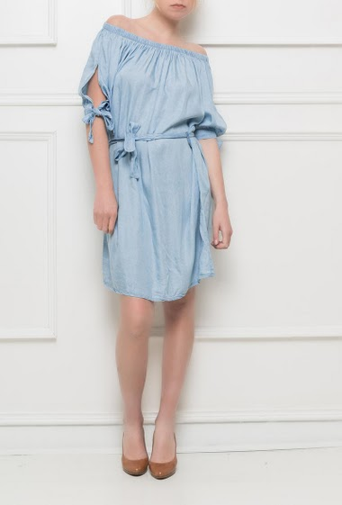 Off shoulder dress, sleeves with tie detail, fluid and soft fabric, belt - One size corresponds to T38/40