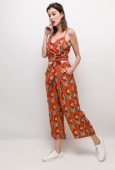Wrap crop top, wide leg pants with print. The model measures 178cm and wears S