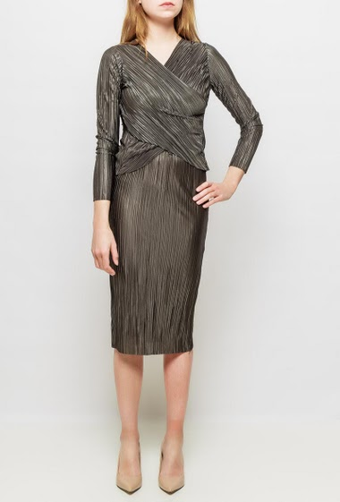 Midi pleated skirt, shiny fabric, elastic waist, close fit,  possibility to wear with the matching top