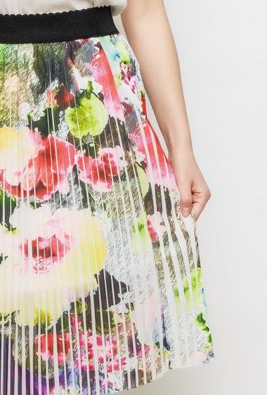 Jupe mi-longue imprimée et plissée, taille élastique, coupe évasée