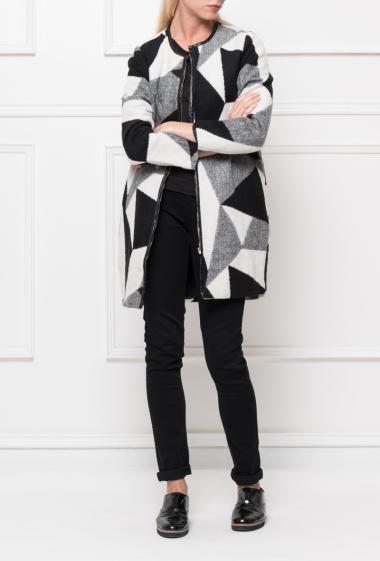 Manteau en lainage sans col à imprimé géométrique, fermeture zippée, poches, bordure en similicuir